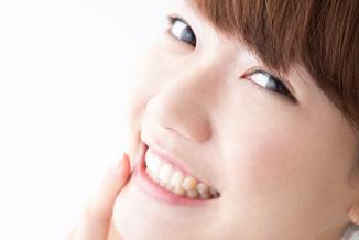 銀歯や歯の黄ばみが気になっている方へ~審美治療のご案内~